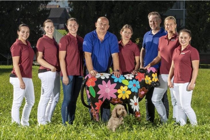 Team - wir sind professionell und kompetent und kümmern uns um Ihre Tiere