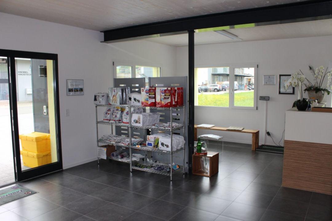 Eingangsbereich der Tierarztpraxis Linth AG in Tuggen